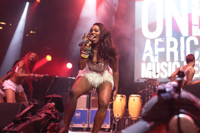 Watch Tiwa Savage Twerk Her Bütt Out At One Africa Music Festival