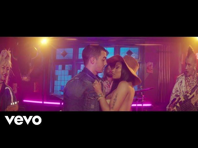 DNCE - Kissing Strangers (feat. Nicki Minaj)