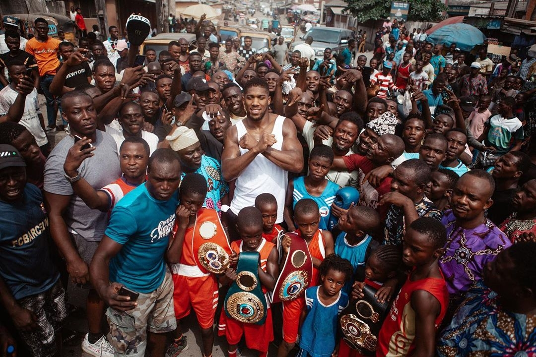 Anthony Joshua Donates Food And Relief Materials To People In Lagos