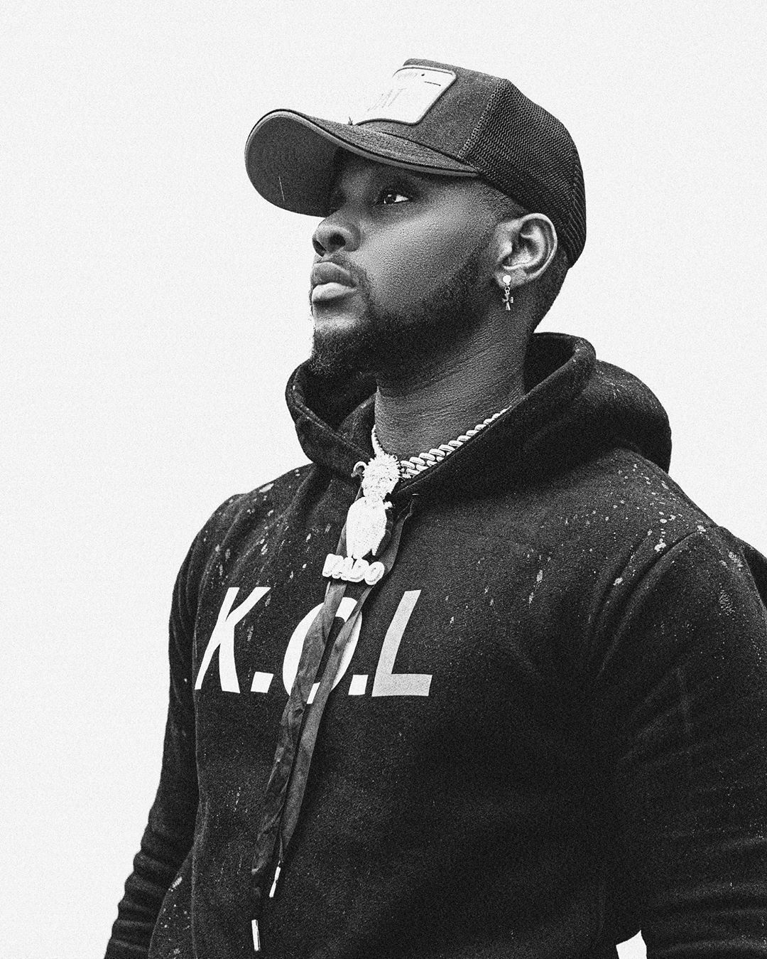 Kizz Daniel returns to Social Media, set to drop a new album, King of Love (KOL)