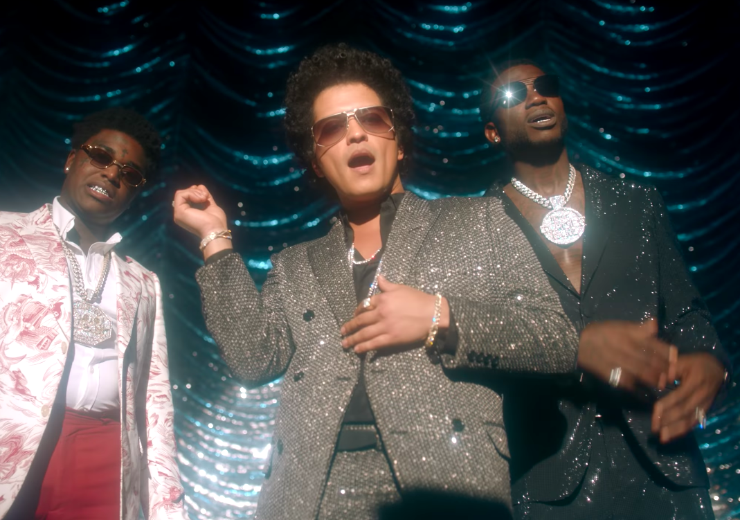 Video: Gucci Mane - Wake Up in the Sky (feat  Bruno Mars