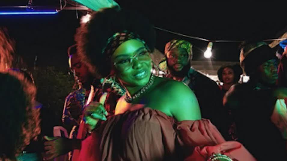 Fanzy Papaya - Love Me (feat. Yemi Alade)