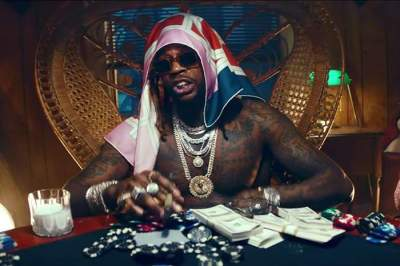 Video: 2 Chainz - 2 Dollar Bill (feat. Lil Wayne & E-40)