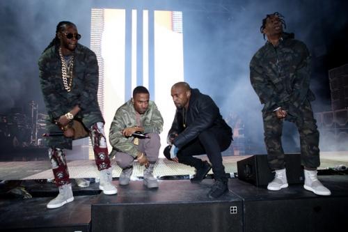 Kanye West - Round & Round (Champions) [Radio Rip] (feat. Quavo, Travis Scott, Desiigner, Gucci Mane, Big Sean, 2 Chainz & Yo Gotti)