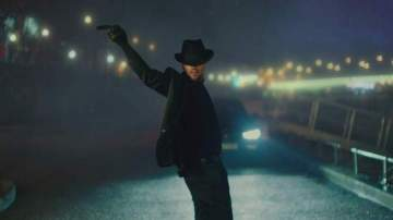 Video: Chris Brown - Back To Love