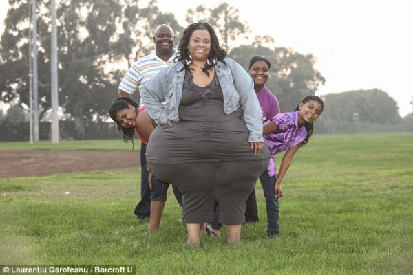 Woman With Worlds Largest Hips Proves She's 100% Natural