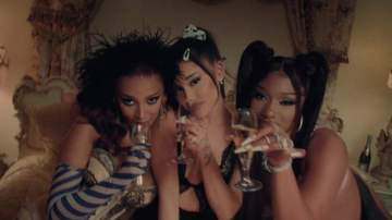 Video: Ariana Grande - 34+35 (Remix) [feat. Doja Cat & Megan Thee Stallion]