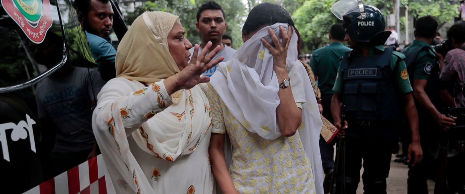 20 hostages killed in Bangladesh terrorists attack