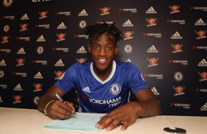Batshuayi Signs For Chelsea
