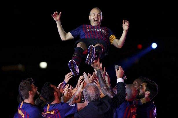 Iniesta Thrown Up May2018