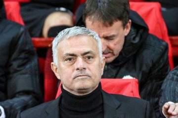 Mourinho aims dig at Solskjaer over style of football