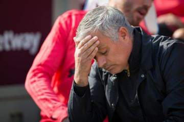 Manchester United players told to ignore Mourinho's instructions