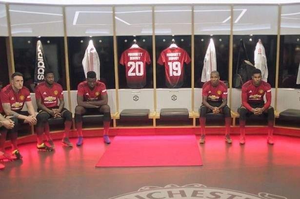 Manchester Utd Dressing Room 993342