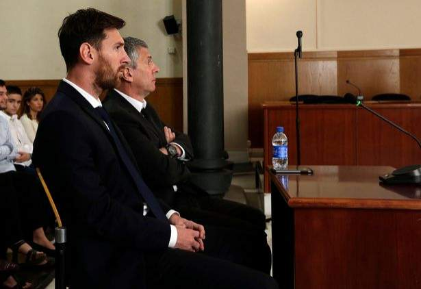 Messi And Father Jorge 202833