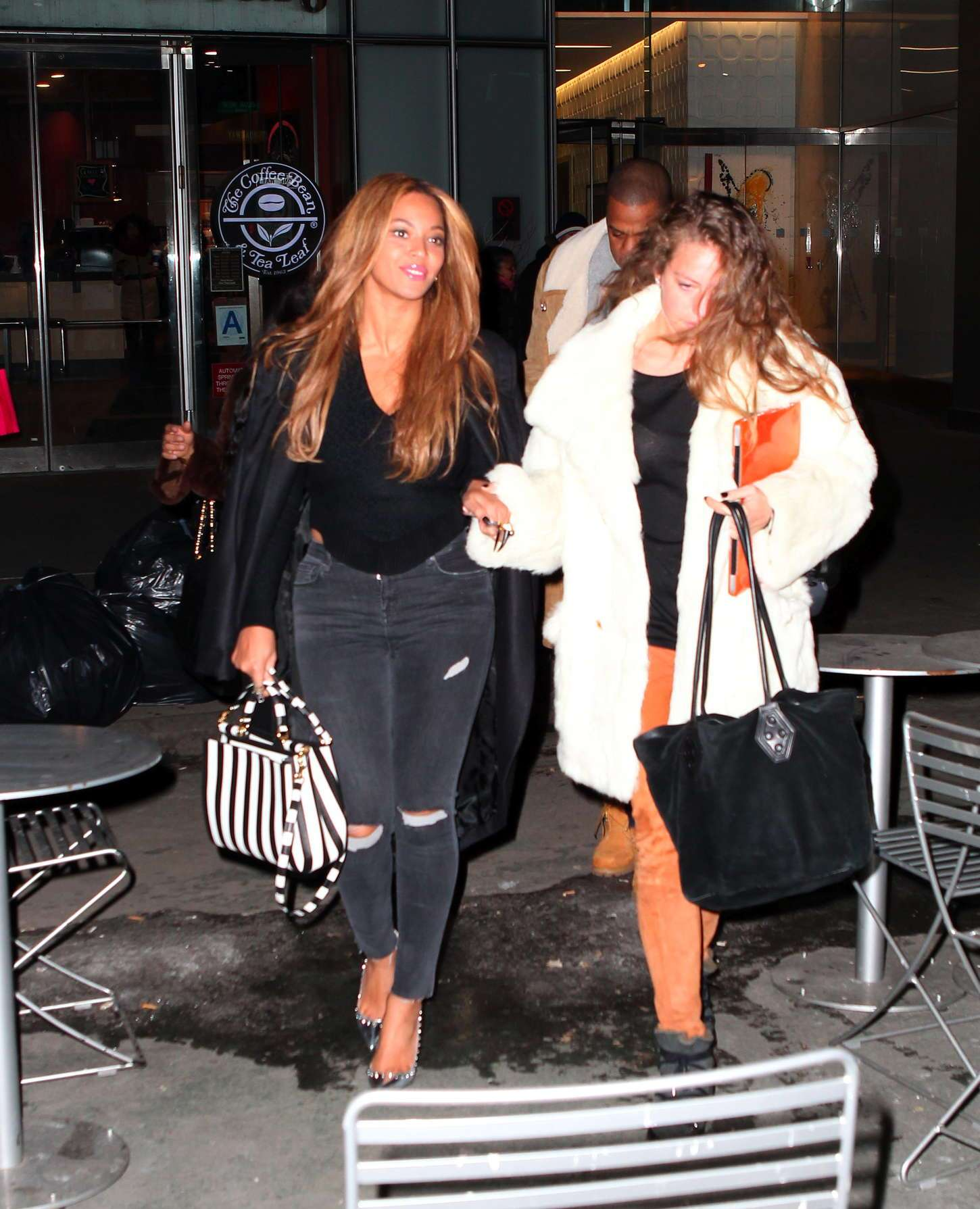 Beyonce In Ripped Jeans