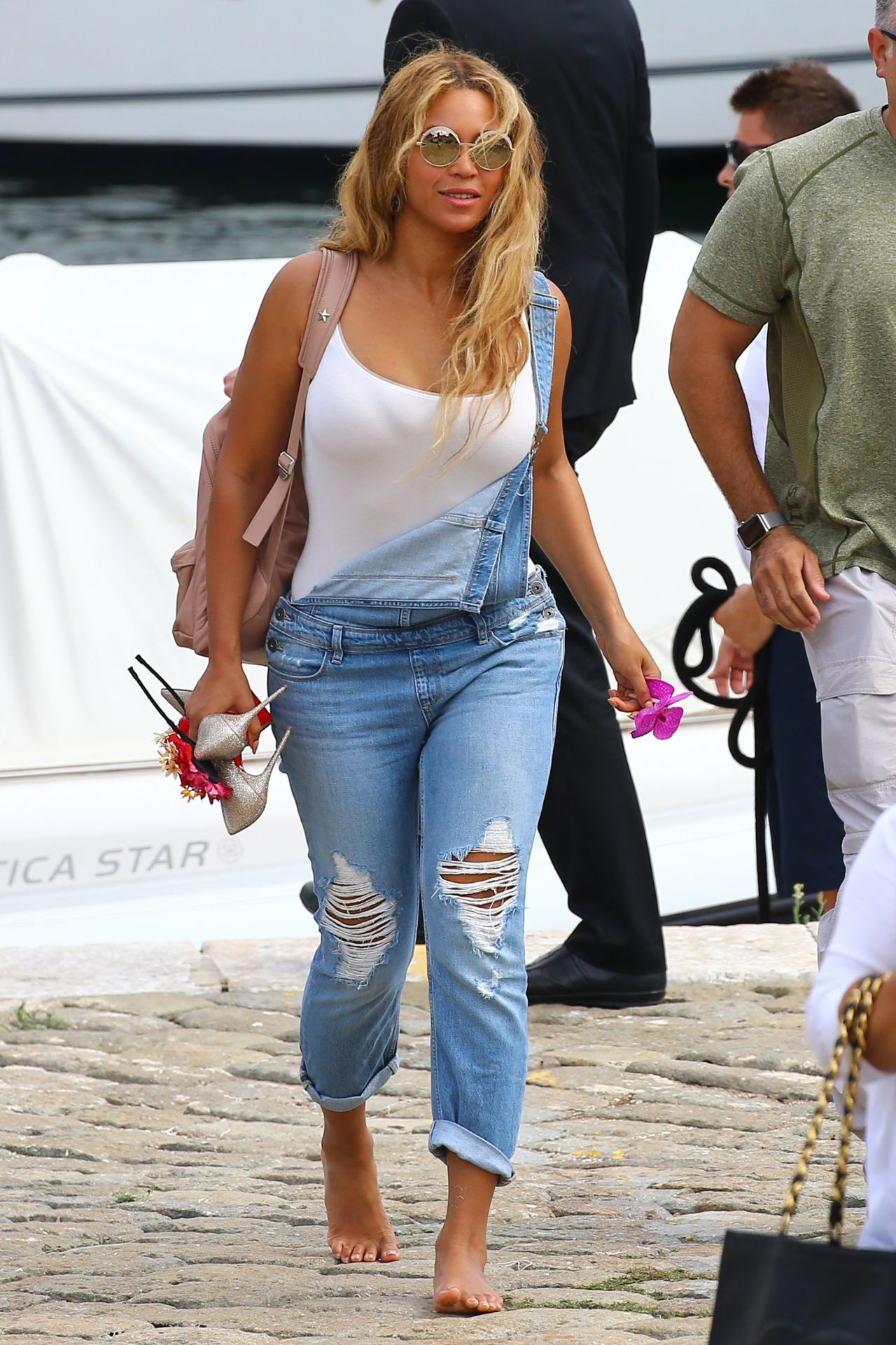 Beyonce%CC%81 In Ripped Jumpsuit