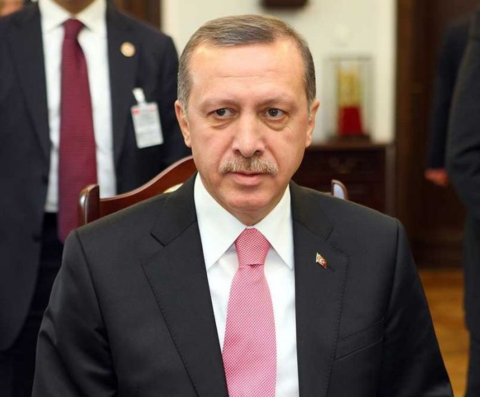 Turkey arrests 10, 000 over coup attempt
