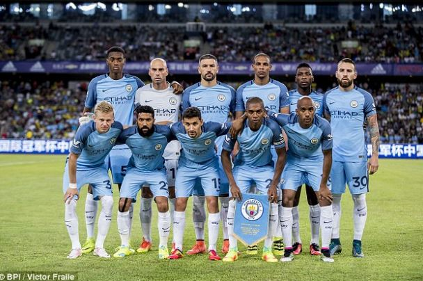 Manchester City Release Navas, Clichy