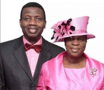 RCCG General Overseer, Pastor Adeboye and his Children Look Awesome in New Photo