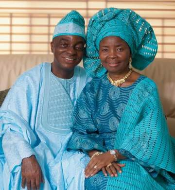 Bishop David Oyedepo And Wife Celebrates 35th Wedding Anniversary.