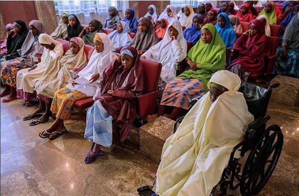 Buhari With Dapchi Girls4
