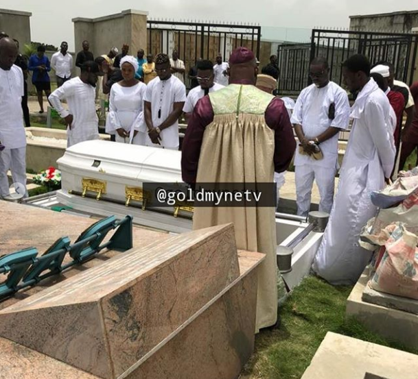 Olamide Buries Mother