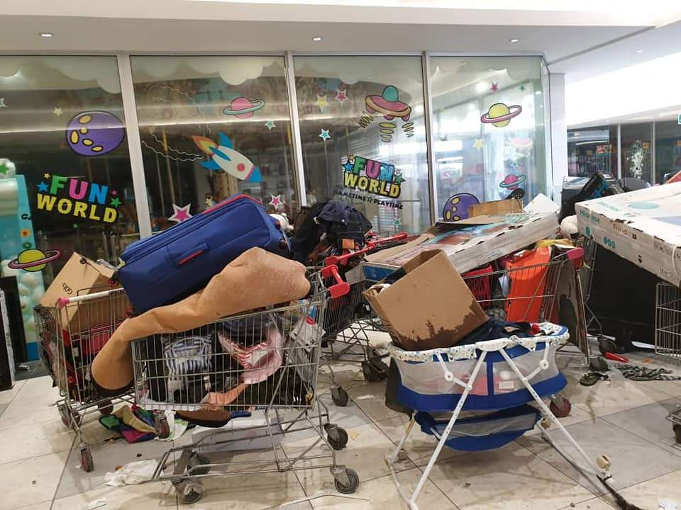 Shoprite Looters 010
