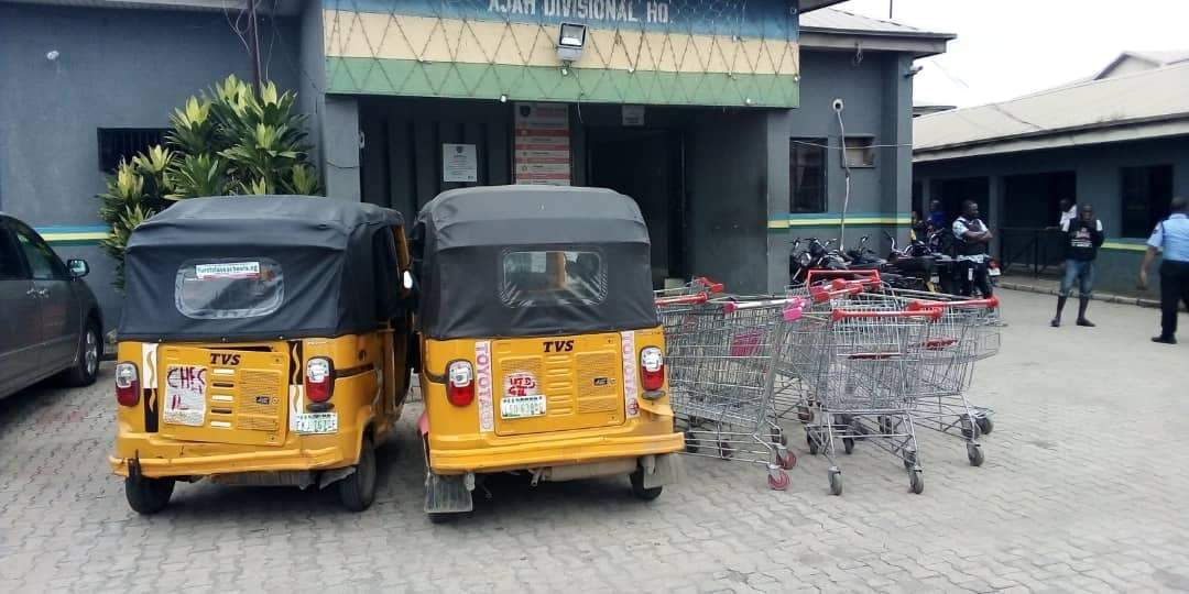 Shoprite Looters 012