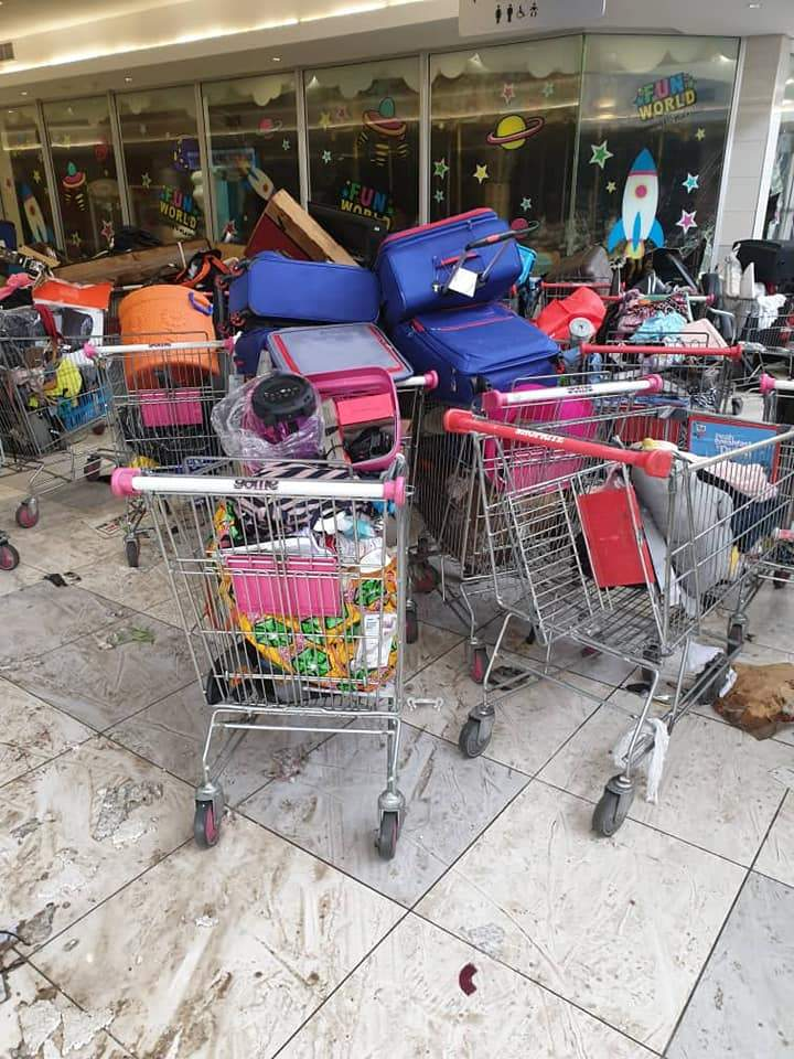 Shoprite Looters 013