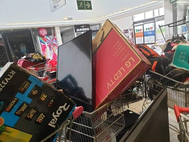 Shoprite Looters 02