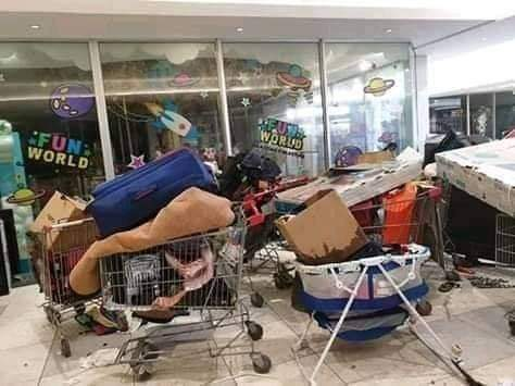 Shoprite Looters 06