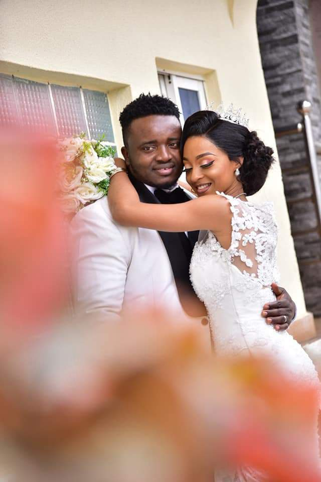 Beautiful Nigerian Couple Tie The Knot 7 Years After They Met At A Motor Park Photos 1
