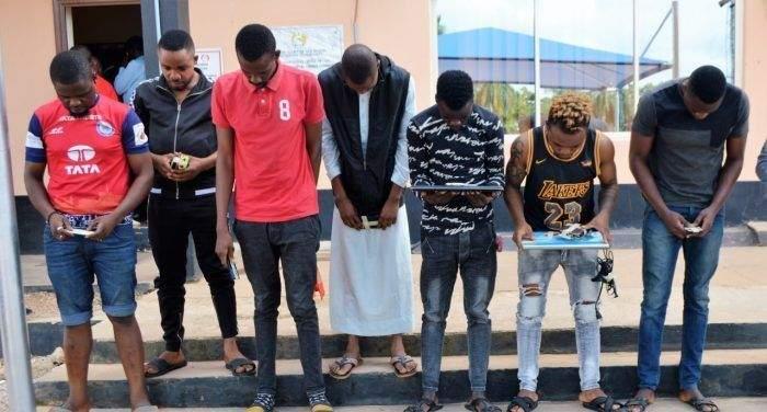 'Yahoo Boy' Suspects Unleash Dog On EFCC Operatives In Ibadan