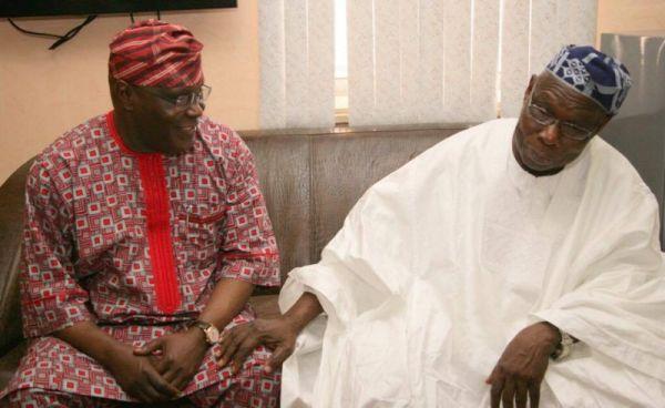 Ex-President Jonathan Tells Atiku Abubakar To Apologise To Olusegun Obasanjo (See Why)