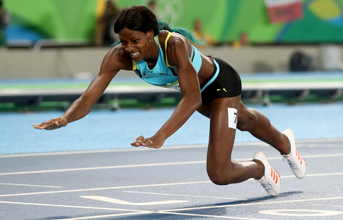 Bahamas Runner Wins 400M After Diving Across Finish Line In A Desperate Move (Photos)
