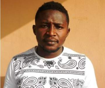 Yahoo Boy Arrested By EFCC For Money Laundering And Internet Scam (Photo)