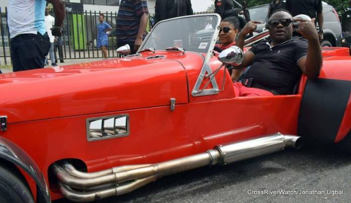 Governor Ayade And His Wife Wow Residents With Scorpio Trike Bike In Calabar Photos 2