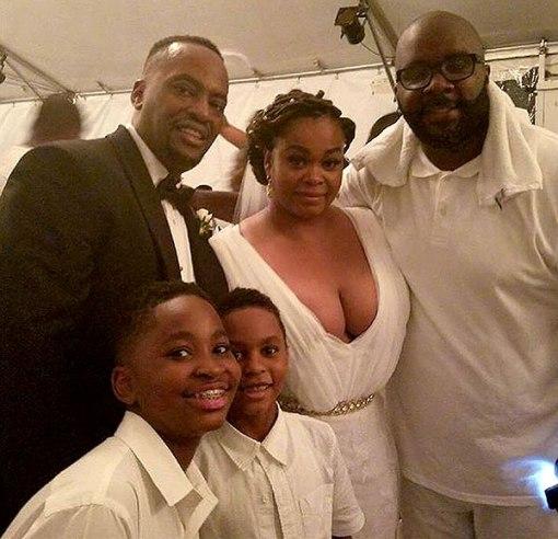 Jill Scott Marries Longtime Boyfriend Mike Dobson (photos)