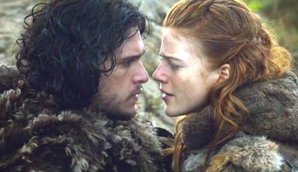 """Game of Thrones"" co-stars Kit Harington & Rose Leslie are Engaged!"