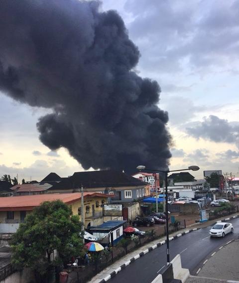 Fire Outbreak In Lagos 1