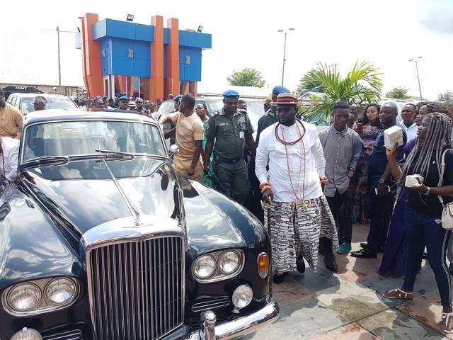 Warri Billionaire Ayiri Emami Makes Grand Entry With His Bentley At A Wedding Photos
