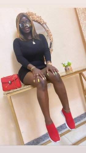 """My yansh don heal"" - Omohtee displays new shape as she recovers from failed cosmetic surgery (Photos)"