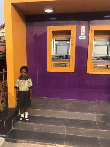 'I want to be a nurse' - 6-year-old schoolgirl who was spotted reading by ATM at night
