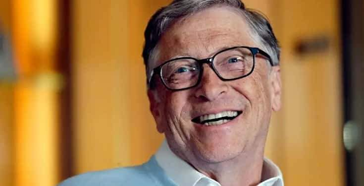 Bill Gates steps down from Microsoft board to focus on charity