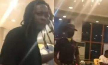 """I'm not a hoodlum, I'm a graduate"" - Man goes 'gaga' at a restaurant after he was asked to put on face mask (Video)"