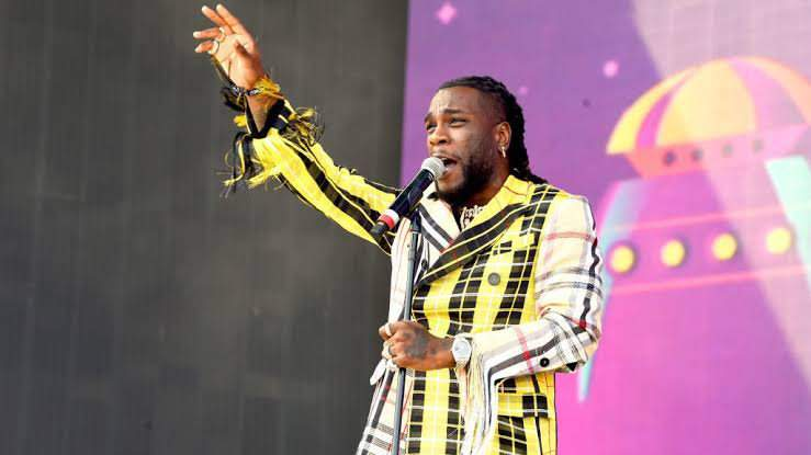 Burna Boy dedicates his BET Hip-Hop Awards performance to all victims of SARS brutality (Video)