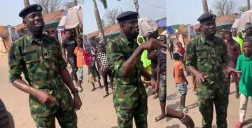 Youths hail soldier who advised them against looting food items meant for NYSC corp members (Video)