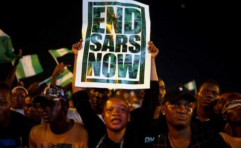 #ENDSARS: Military shoots Protesters shot at Lekki-Ikoyi Tollgate, Lagos as CCTV gets disabled.