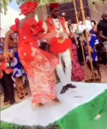 Guests and groom wowed as bride displays craziest dance steps ever on her wedding day (Video)