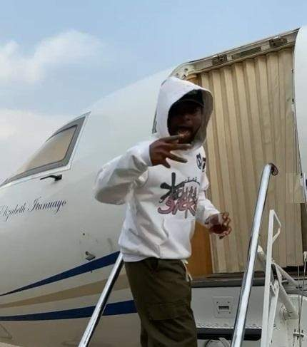 Davido jets out of Nigeria  for Christmas without fiance, Chioma (Video)